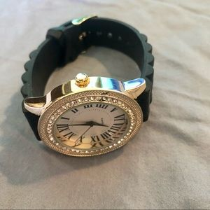 Quartz silicone strap gold crystal face watch